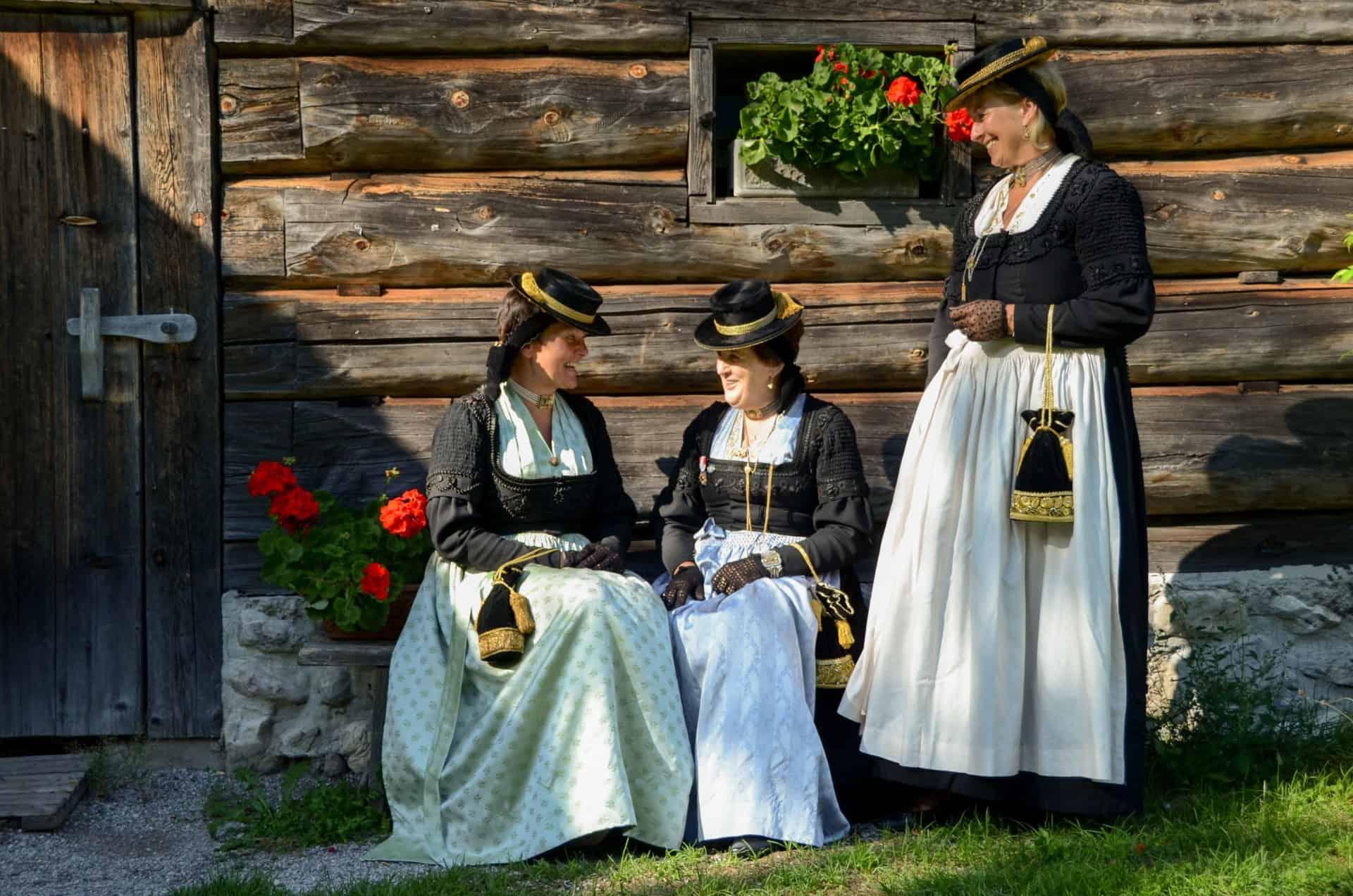 Traditional costume women Abtenau- (c) www.abtenau-info.at, busybee (49)