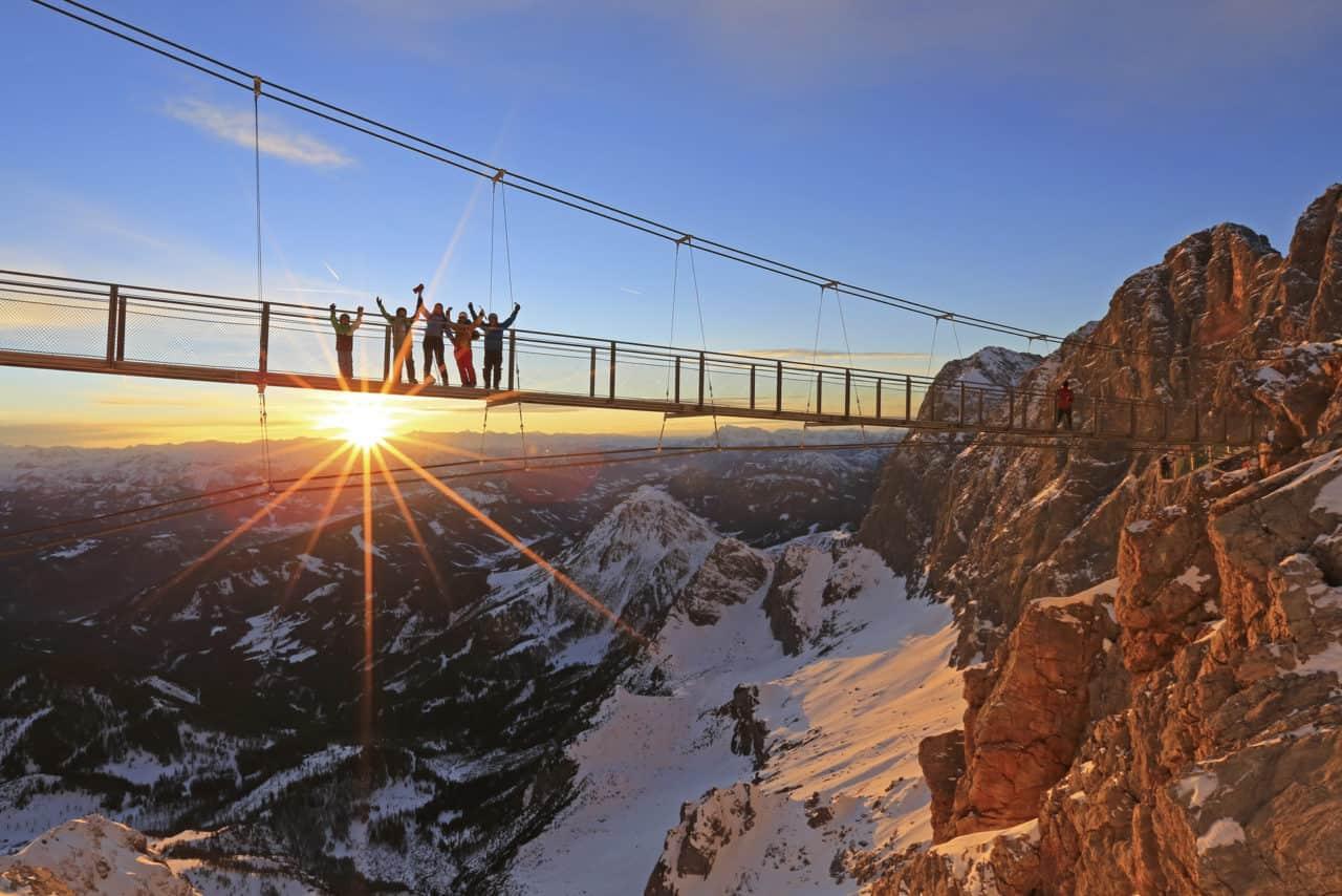 Die Dachstein Hängebrücke im Sonnenuntergang (c)Herbert Raffalt